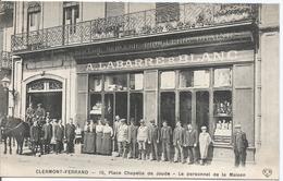 CPA 14 - PUY DE DOME -  CLERMONT FERRAND 10 Place Chapelle De Jaude- Le Personnel --  Animations - France