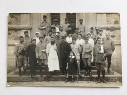 Foto AK Soldats En Soeur Francais Croix Rouge - Guerre 1914-18