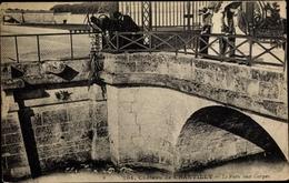 Cp Chantilly Oise, Le Pain Aux Carpes - Autres Communes