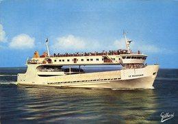 """CPM - Le Bac """" Le Médocain """" - Ferries"""