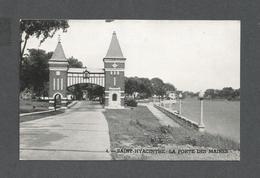 ST HYACINTHE - QUÉBEC - LA PORTE DES ANCIENS MAIRES - EN L'HONNEUR DES 11 PREMIERS MAIRES ÉRIGÉ EN 1927 - St. Hyacinthe