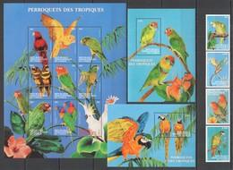 J879 CONGO FAUNA BIRDS PARROTS OF TROPICS PERROQUETS !!! 1KB+2BL+1SET MNH - Perroquets & Tropicaux