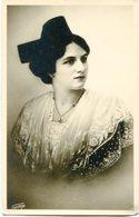 PORTRAIT WOMAN, RETRATO MUJER, FEMME. POSTAL POSTALE CPA CIRCA 1920's NON CIRCULE -LILHU - Mujeres