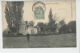 BUSNES - Les Ruines De L'Ancien Château - Frankrijk