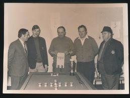 WERVIK     FOTO 1973 = 18 X 12.8 CM == JACQUES HERMAN UIT WEVELGEM WESTVLAAMS GOLFBILJART KAMPIOEN - Wervik