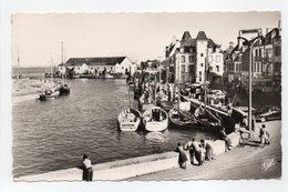 - CPSM LE CROISIC (44) - Le Port 1960 - Photo CAP 1605 - - Le Croisic