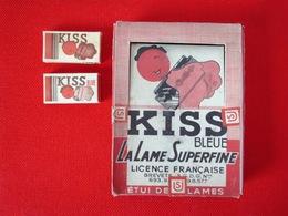 Lot De 8 étuis De 5 Lames Neuves KISS Bleue Lame Superfine Licence Et Fabrication Française + Boite Présentation TBE - Lamette Da Barba