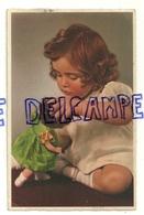 Petite Fille Et Sa Poupée. 1947 - Jeux Et Jouets