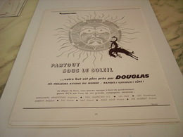 ANCIENNE PUBLICITE PARTOUT SOUS LE SOLEIL  AVION DOUGLAS 1955 - Publicités