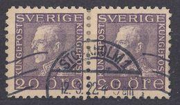 SVERIGE - SVEZIA - SWEDEN - 1921 - Due Valori Yvert 131a Usati, Uniti Fra Loro, Come Da Immagine. - Svezia