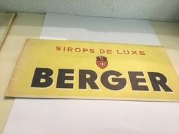 Chapeau Publicitaire En Papier Du Tour De France  Sirop De Luxe Berger - Publicités