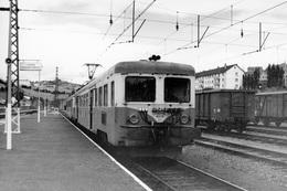 Saint-Flour-Chaudes-Aigues. Automotrice Z 7121. Cliché Jacques Bazin. 09-08-1978 - Trains