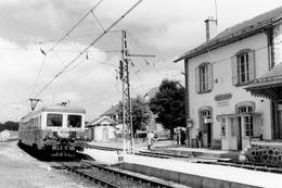 Aumont-Aubrac. Automotrice Z 7100. Cliché Jacques Bazin. 08-1978 - Trains