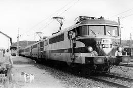 Séverac-le-Château. Locomotive BB 9499. Cliché Jacques Bazin. 08-06-1982 - Trains