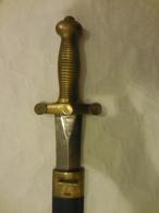 GLAIVE  DES TROUPES D' ELITE  1831   AVEC FOURREAU   ESTAMPILLE - Armes Blanches
