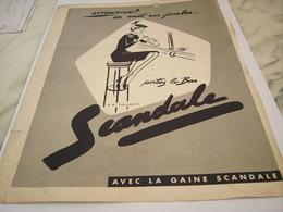 ANCIENNE   PUBLICITE ATTENTION  LA GAINE SCANDALE 1953 - Vintage Clothes & Linen
