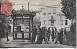 55-VERDUN - KIOSQUE A JOURNAUX  PLACE CHEVERT  - EDITION DEBERGUE -  LA LORRAINE ILLUSTREE - Verdun