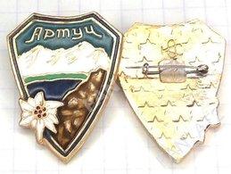USSR / Badge / Soviet Union / Tajikistan Alpinism  Mountaineering Tourism Chalet Artuch The Mountains Edelweiss 1970-80s - Alpinismo, Arrampicata