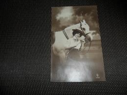 Femme ( 1393 )  Vrouw  Cheval  Paard - Femmes