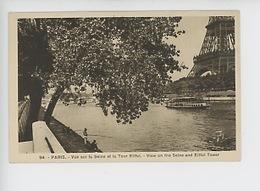 Paris La Tour Eiffel : Vue Sur La Seine Et La Tour Eiffel (pêcheur A La Lignebateau) N°94 Cp Vierge - Tour Eiffel