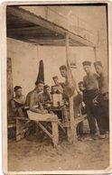 96Hye Carte Photo Soldats Spahis Torses Nus Pendant Le Repas - Uniformen