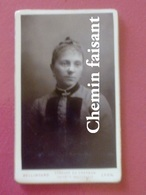 Avant 1900 CDV Photographie Originale D'une Femme -  BELLINGARD Lyon 69 - Scans Recto-verso - Photos