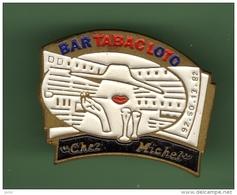 BAR-TABAC-LOTO *** CHEZ MICHEL *** 1020 - Bevande