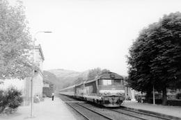 """Parent-Coudes-Champeix. Locomotive BB 67560. Express """"Le Cévenol"""" Marseille - Paris. Cliché Jacques Bazin. 17-07-1983 - Trains"""