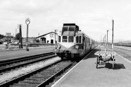 Arvant. Autorail Renault VH-X 2101. Cliché Jacques Bazin. 03-09-1956 - Trains