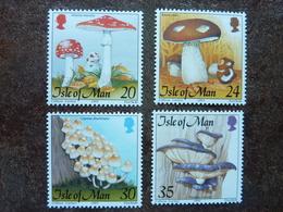 2005  ISLE OF MAN  4 Stamps    ** MNH - Champignons