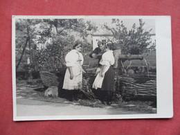 RPPC  German Soldier  With 2 Females    Ref 3421 - War 1939-45
