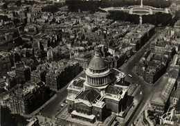 CPSM Grand Format EN AVION AU DESSUS DE ...PARIS  Pilote Operateur R Henrard Le Pantheon La Rue Soufflot Et Jardin Du Lu - Notre Dame De Paris