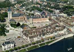 GIEN  (Loiret) L'Eglise Saint Pierre Et Le Chateau Vue Aérienne Pilote Et Operateur R Henrard Colorisée RV Edit Valloire - Gien