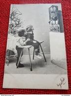 FANTAISIES - ENFANTS -  Enfants Devant Le Théâtre De Marionnettes - Groupes D'enfants & Familles