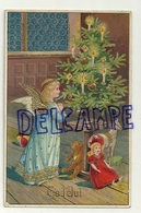 God Jul. Joyeux Noël. Petit Ange Qui Prie Devant Un Sapin Décoré, Ours En Peluche, Poupée, Cheval De Bois, Bougies. 1926 - Kerstmis