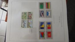 Belle Collection ** Nations Unies Dont Blocs, Carnets Et Autres ** En Album MARINI. Bien Suive à Saisir !!! - Collections (en Albums)