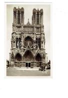 Cpm - 51 - Reims - CATHÉDRALE -   Façade -  Travaux échafaudage Voiture Ancienne  - N° 299 Cap - Reims