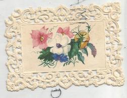 Mignonnette De Vœux. Bouquet De Fleurs. Dentelle. Coin Abîmé. - Fleurs