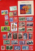 Lot De 31 Timbres 1 Bloc MONDE Neufs Xx - Stamps