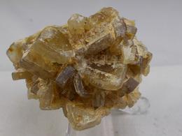 BARYTINE JAUNE EN SIFFLET  5, X 3, CM LANGEAC - Minéraux