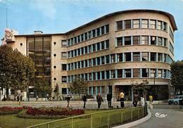 Boulogne Billancourt Lycée Renault 4L - Boulogne Billancourt