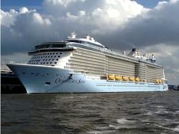"Ship Postcards - Passenger   Ship : ""Quantum Of The Seas   ""      Read Description - Ships"