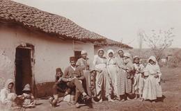 AK Foto Großfamilie In Südosteuropa - Bulgarien Albanien Mazedonien (?) -  Ca. 1915 (41809) - Europe