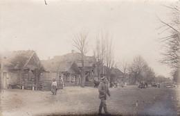 AK Foto Romanowa - Dorfstrasse - Deutscher Soldat - Ca. 1915 (41810) - Weißrussland