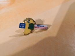 1 Pins Edf-Gdf. Brie Champenoise - EDF GDF