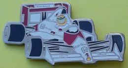 Pin's F1 - HONDA MARLBORO SHELL - F1