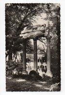 Paris: Le Parc Monceau, Notre Paris (19-1044) - Arrondissement: 08