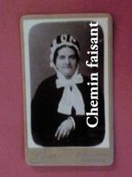 Avant 1900 CDV Photographie Originale D'une Femme - LEON Grenoble 38 - Scans Recto-verso - Photos