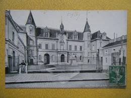 MELUN. L'Hôtel De Ville. - Melun