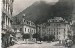 CPSM - France - (65) Hautes Pyrénées - Cauterets - Place Georges-Clémenceau - Cauterets
